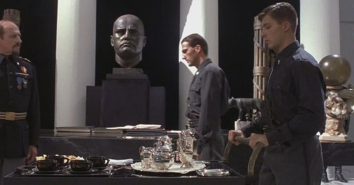 Чай с Муссолини / Tea with Mussolini (1999) DVDRip