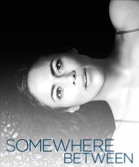 Где-то между / Somewhere Between (1 сезон/2017) WEBRip